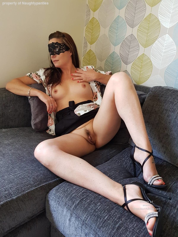 hey there Uk Milf Clips adore being licked out